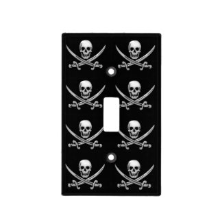 Bandera pirata del cráneo y de la espada del cubiertas para interruptor