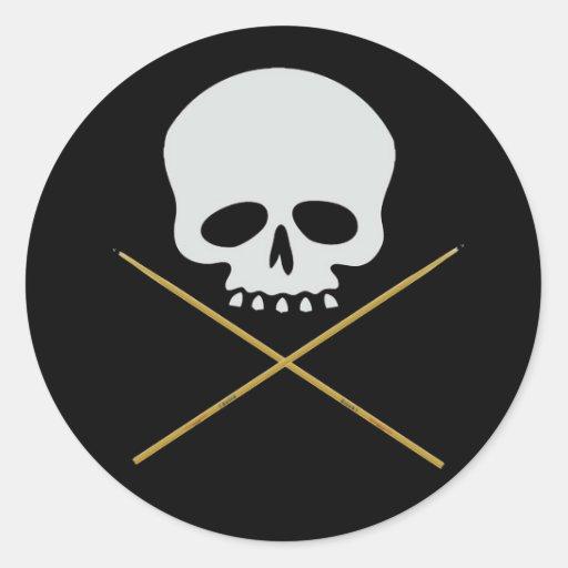 Bandera pirata del cráneo y del palillo pegatinas
