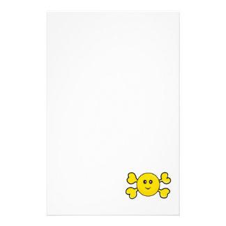 bandera pirata sonriente del amarillo del cráneo d papeleria personalizada