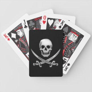 Bandera pirata vidriosa del cráneo y de la espada barajas