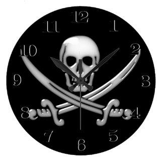 Bandera pirata vidriosa del cráneo y de la espada reloj redondo grande