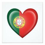 Bandera portuguesa del corazón en blanco anuncio