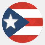 Bandera puertorriqueña de corazones rayados rojos pegatina redonda