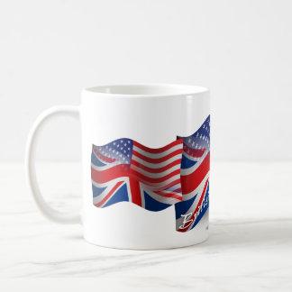 Bandera que agita Británico-Americana Taza
