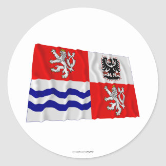 Bandera que agita central de Bohemia Pegatina Redonda