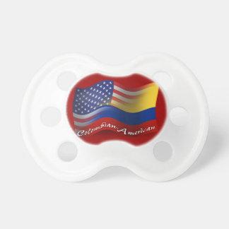 Bandera que agita Colombiano-Americana Chupete De Bebe