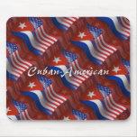 Bandera que agita Cubano-Americana Alfombrillas De Ratones