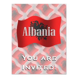 """Bandera que agita de Albania Invitación 4.25"""" X 5.5"""""""