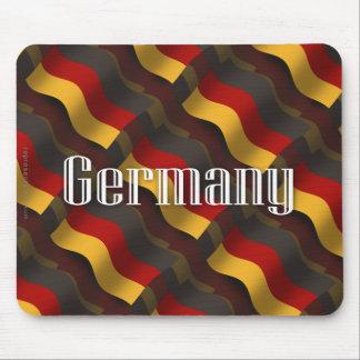 Bandera que agita de Alemania Tapetes De Ratón