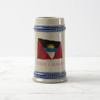 Bandera que agita de Antigua y de Barbuda con nomb Taza De Café
