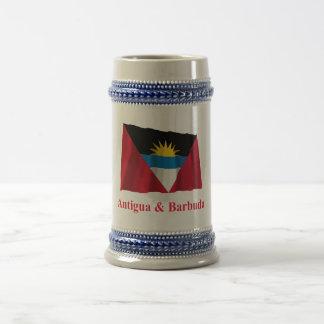 Bandera que agita de Antigua y de Barbuda con nomb Tazas