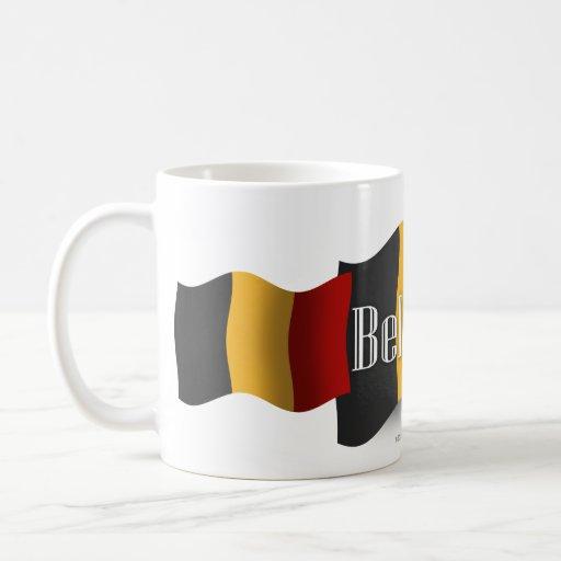 Bandera que agita de Bélgica Taza Clásica