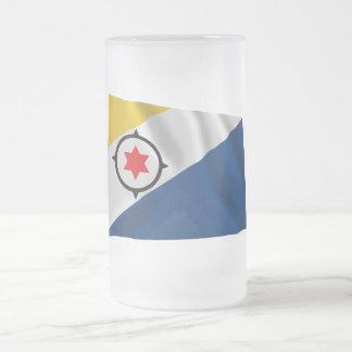 Bandera que agita de Bonaire Tazas