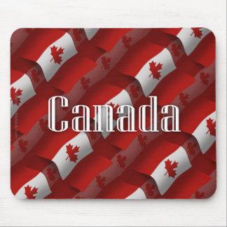Bandera que agita de Canadá Tapetes De Raton