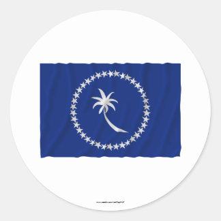 Bandera que agita de Chuuk Pegatina Redonda