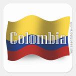 Bandera que agita de Colombia Pegatina Cuadrada