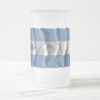 Bandera que agita de Corrientes Taza De Cristal