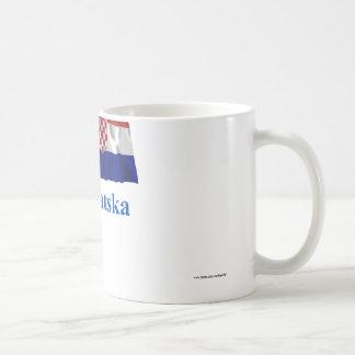 Bandera que agita de Croacia con nombre en croata Tazas