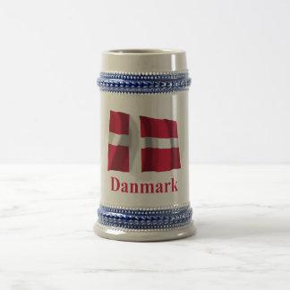Bandera que agita de Dinamarca con nombre en danés Taza De Café