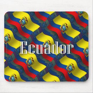 Bandera que agita de Ecuador Tapetes De Ratón