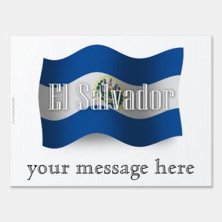 Bandera que agita de El Salvador Letrero