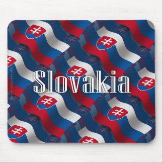 Bandera que agita de Eslovaquia Tapete De Ratones