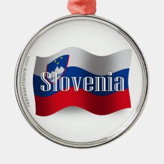 Bandera que agita de Eslovenia Adorno Redondo Plateado