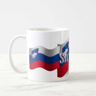 Bandera que agita de Eslovenia Taza Básica Blanca