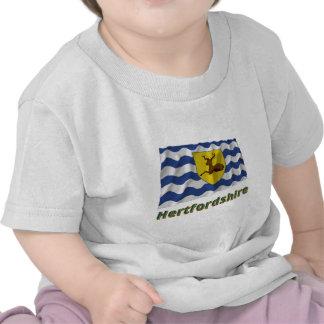 Bandera que agita de Hertfordshire con nombre Camisetas