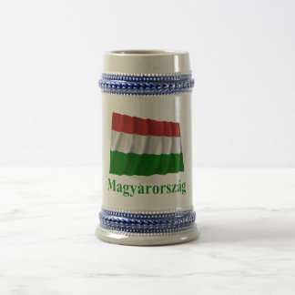 Bandera que agita de Hungría con nombre en húngaro Jarra De Cerveza