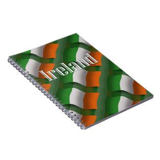 Bandera que agita de Irlanda Cuaderno