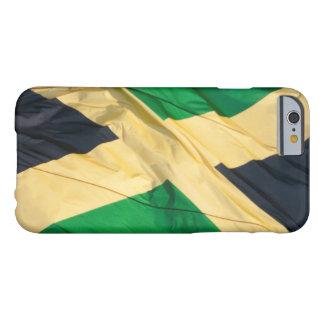 Bandera que agita de Jamaica Funda De iPhone 6 Barely There