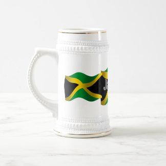Bandera que agita de Jamaica Jarra De Cerveza