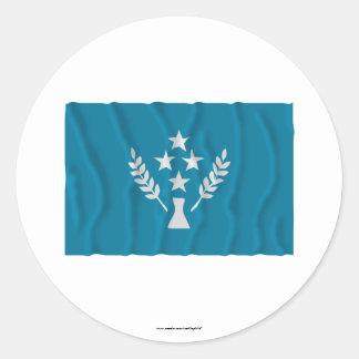 Bandera que agita de Kosrae Etiquetas Redondas
