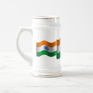 Bandera que agita de la India Jarra De Cerveza