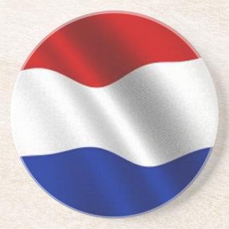Bandera que agita de los Países Bajos Posavaso Para Bebida