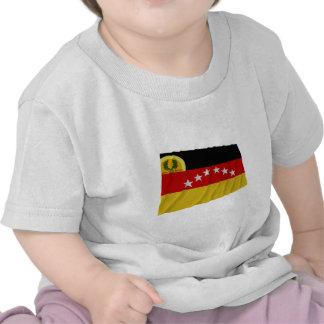 Bandera que agita de Miranda Camiseta