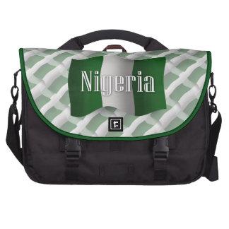 Bandera que agita de Nigeria Bolsa Para Ordenador