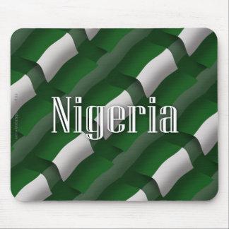 Bandera que agita de Nigeria Alfombrillas De Ratones