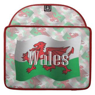 Bandera que agita de País de Gales Fundas Para Macbooks