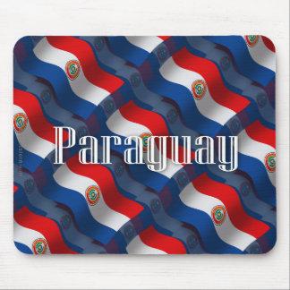 Bandera que agita de Paraguay Tapetes De Raton