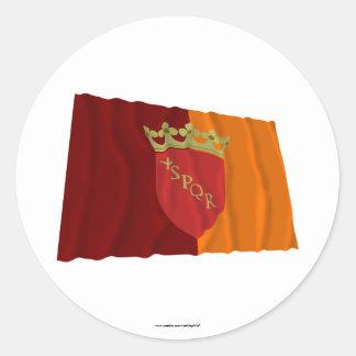 Bandera que agita de Roma Pegatinas Redondas