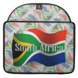 Bandera que agita de Suráfrica Fundas Macbook Pro