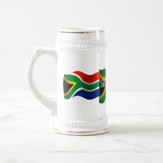 Bandera que agita de Suráfrica Jarra De Cerveza