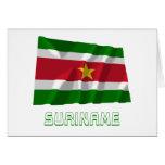 Bandera que agita de Suriname con nombre Felicitaciones