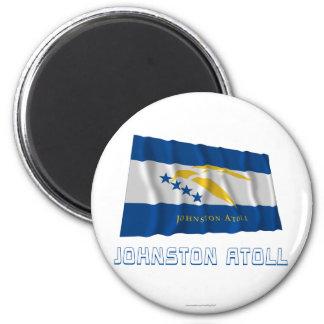 Bandera que agita del atolón de Johnston con nombr Iman De Nevera