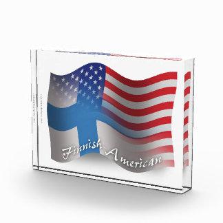 Bandera que agita Finlandés-Americana