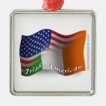 Bandera que agita Irlandés-Americana Adorno Para Reyes