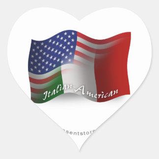 Bandera que agita Italiano-Americana Pegatina En Forma De Corazón