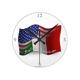 Bandera que agita Italiano-Americana Reloj De Pared